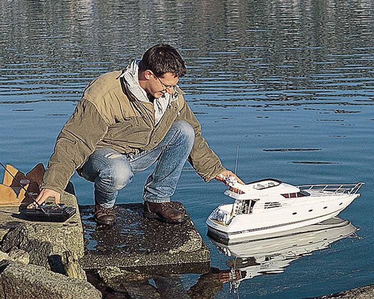 Najade Luxury-Motoryacht 960 mm. 1:15 m/fittingsett
